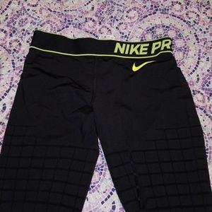 Black Nike Pro Leggings